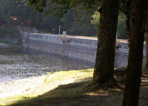 Barrage du Lampy Rigole de la Montagne Canal du Midi Randonnée à pied vélo camping Canalfriends