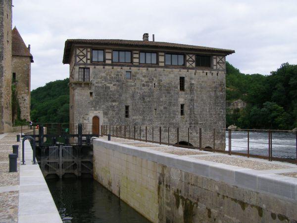 Lot2 Lustrac lot1 Canalfriends river cruises croiseres location bateaux