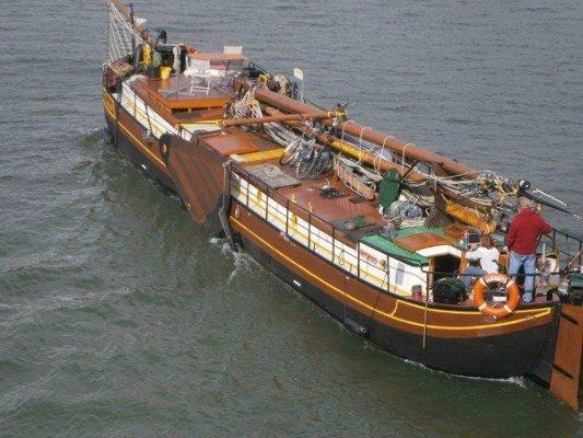 canalfriends.com-bateau-elisabeth-eau