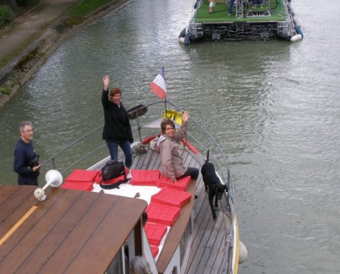 Canalfriends.com boatstop, location bateaux, vélo, canaux et rivieres boat rental, accommodation, canals & rivers