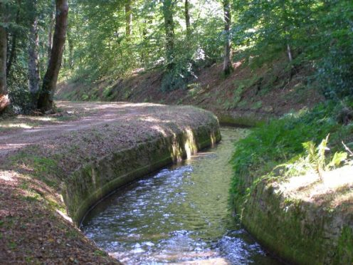 Rigole de la montagne Canal du Midi Vauban randonnée pied vélo camping canalfriends