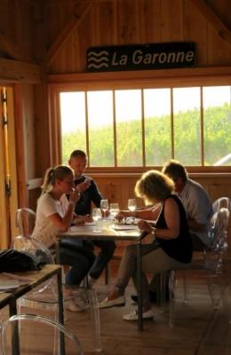 cabane-dans-les-vignes-chateau-bessan-canalfriends-pm10