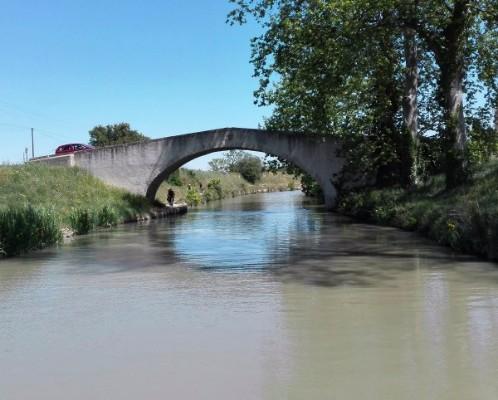Les-Bateaux-du-Soleil_Pont-de-Gourgasse-canalfriends-9