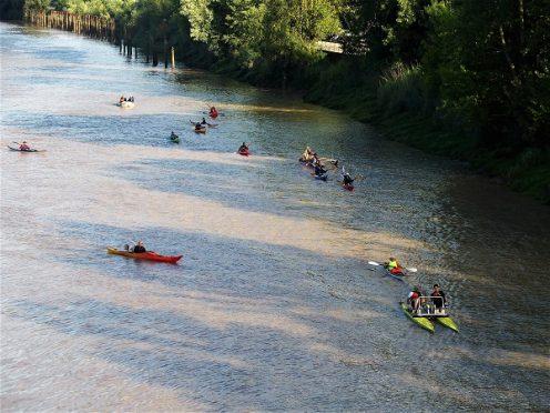 6 jours de garonne; canalfriends; bordeaux; garonne; navigation; kayak