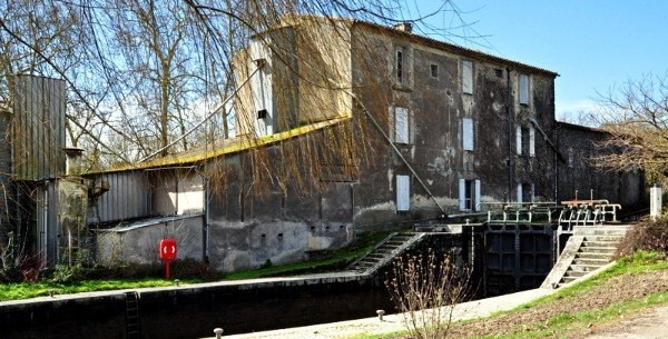 Façade-moulin-du-Vivier