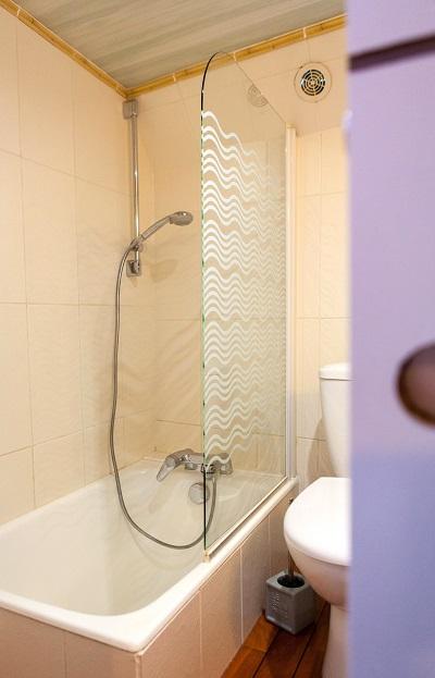 Peniche-Mirage-salle-de-bain-caravelle-canalfriends