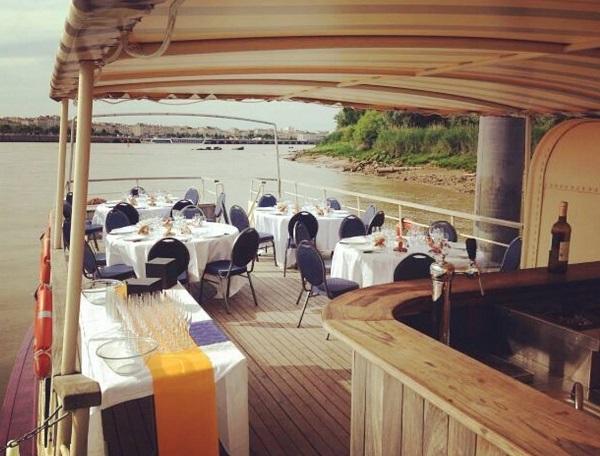 Marco-Polo-dejeuner-assis-ponton-Canalfriends