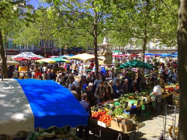 marché-de-carcassonne-git-ostal