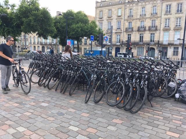 Pierre-qui-roule-parc-vélos-bordeaux-canalfriends