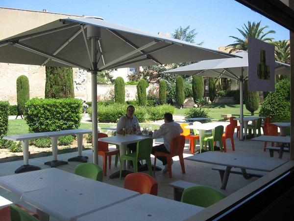 centre_international_de_sejour_ethic_etapes_narbonne_terrasse_restaurant-600